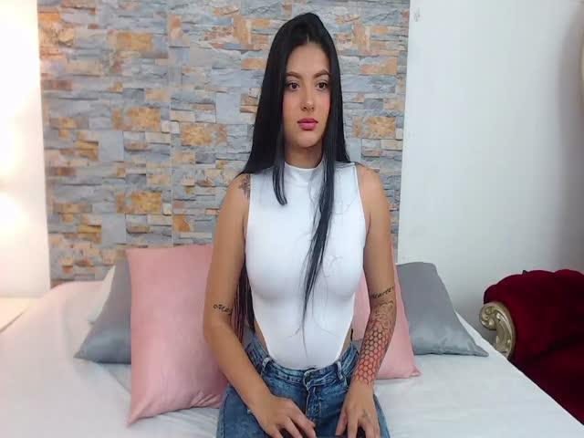 Celesteyoung live sex cam