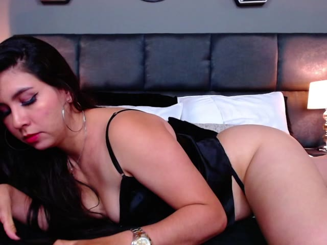 CattaleyaGreen live sex cam