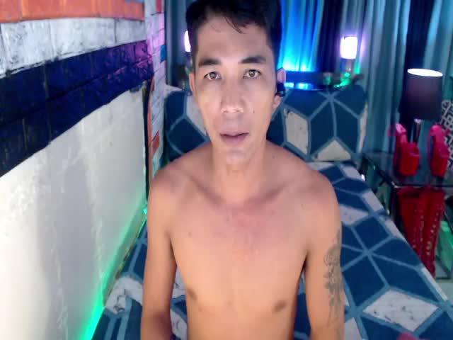 DrewBigCock live sex cam