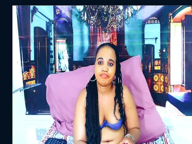 Ebony_Cuddles live sex cam