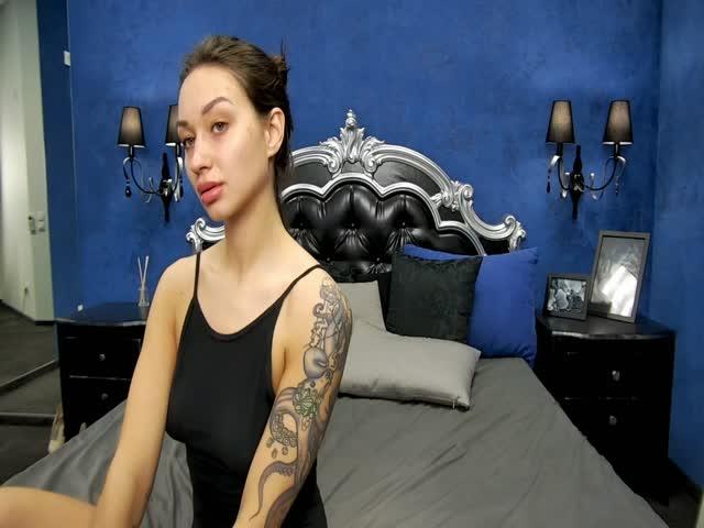 Heather_Weiss live sex cam