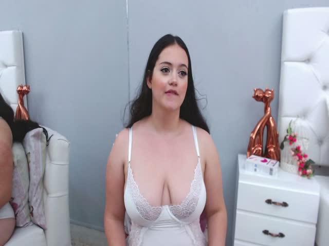 HayleyBellyy live sex cam