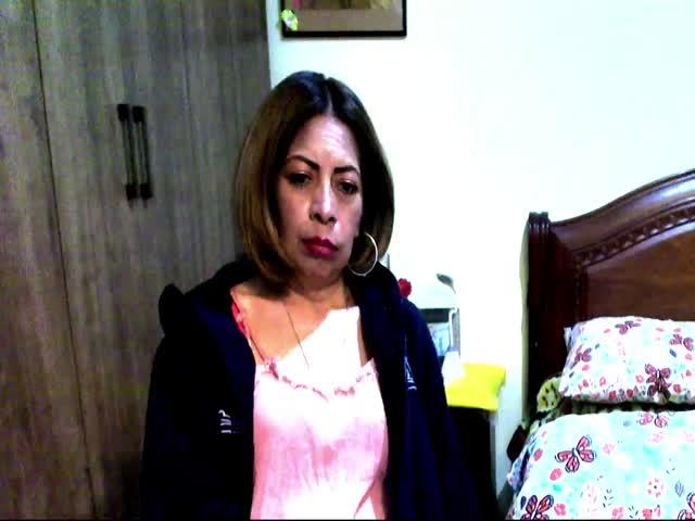 Husband suprises wife suezan with threesome