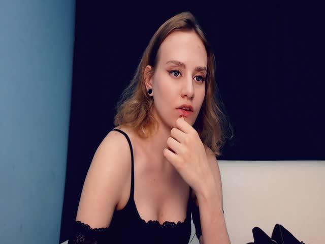 Julianna_Luv live sex cam