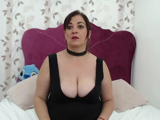 KatiaSmith live sex cam