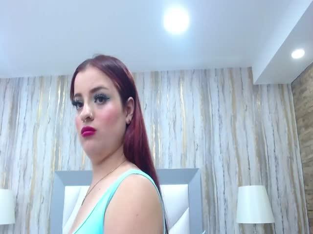 LaureenLove live sex cam