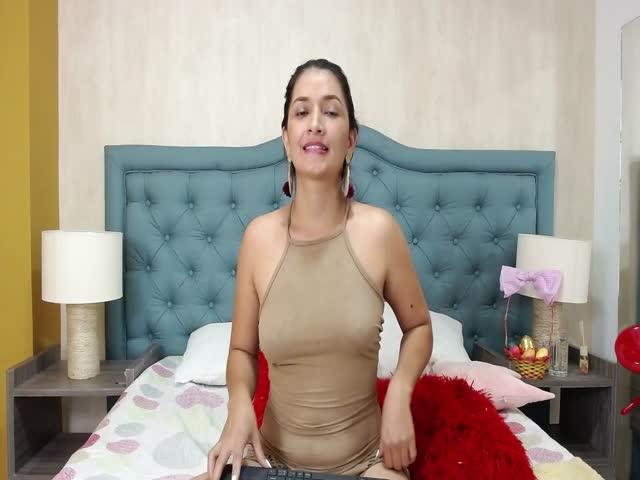 LeiaWhite live sex cam