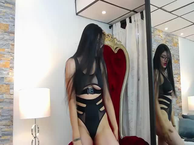 LaraMiller live sex cam