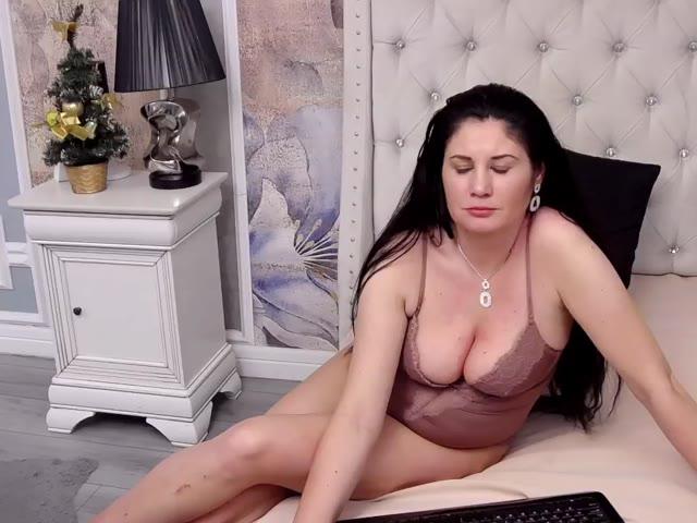 LorrieReeves live sex cam