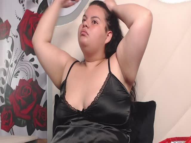 LoolitaJensy live sex cam