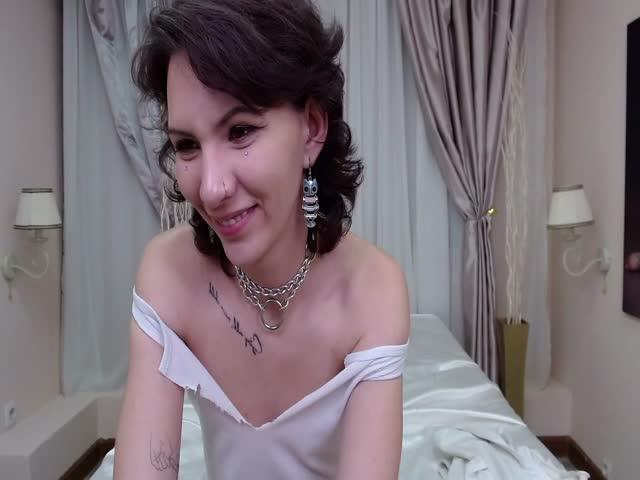 MikaEni live sex cam