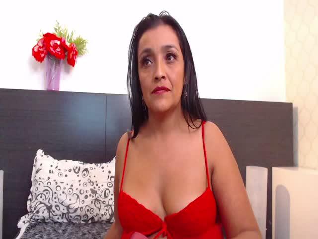 MoniqueBell live sex cam