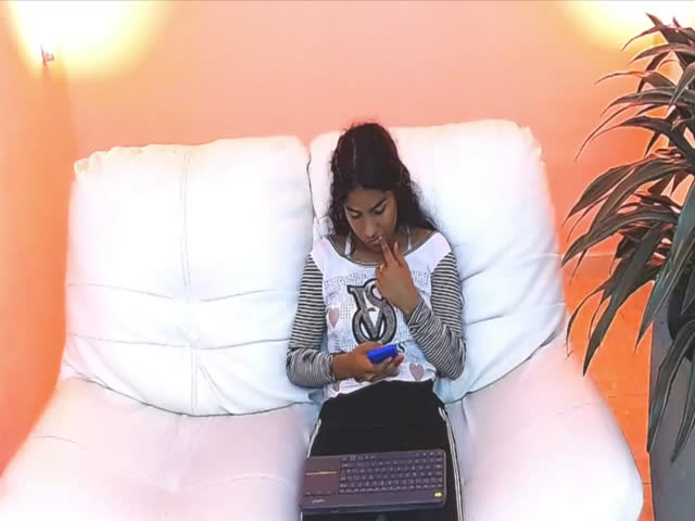 MelinaYor live sex cam