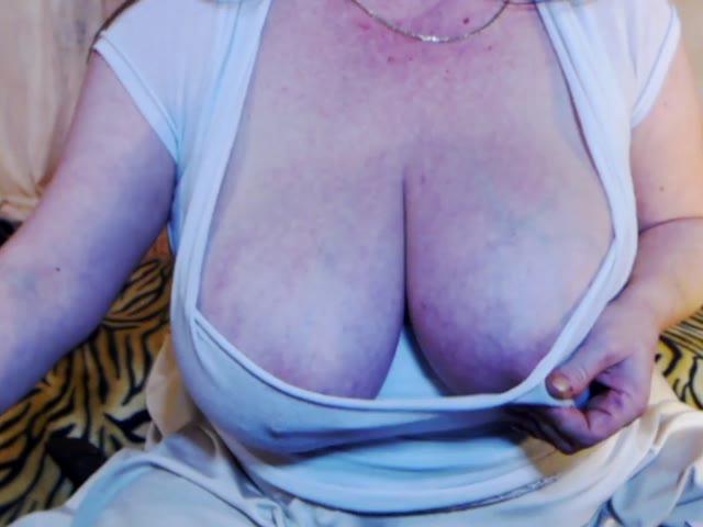 MagicBigBoobs live sex cam