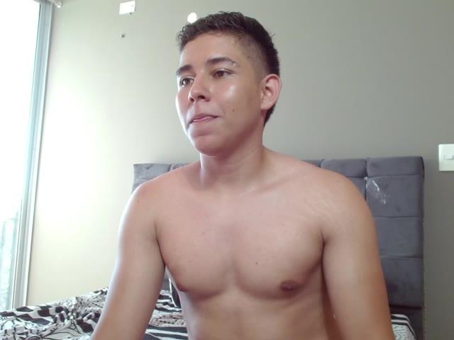 MarcoTorres live sex cam