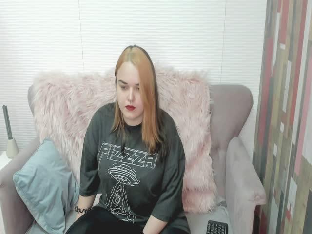MiraKusey live sex cam