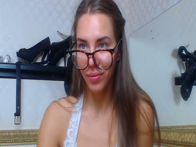 Nikole_squirt live sex cam