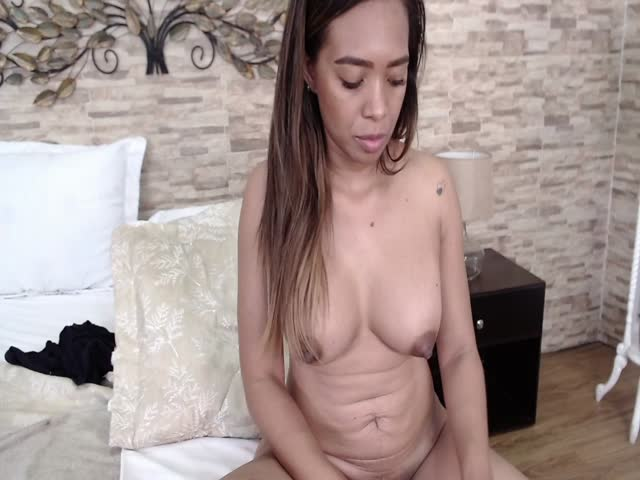 PaulinWels live sex cam