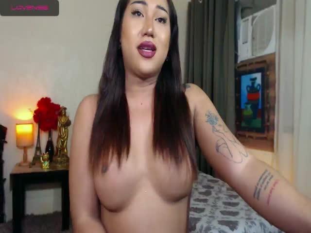SeductiveChloeTS live sex cam