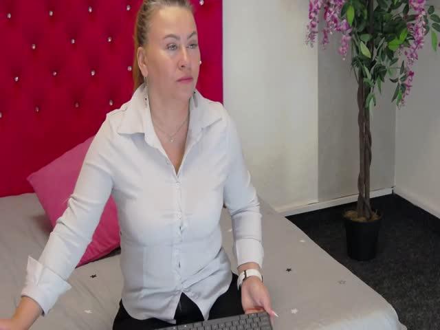 VivianQuin live sex cam
